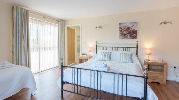 Ground floor bedroom, king-sized plus single with en-suite