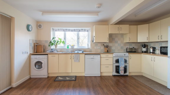 The spacious and well-equipped kitchen